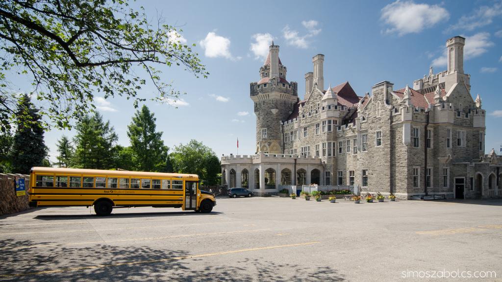 Casa Loma és a sárga iskolabusz