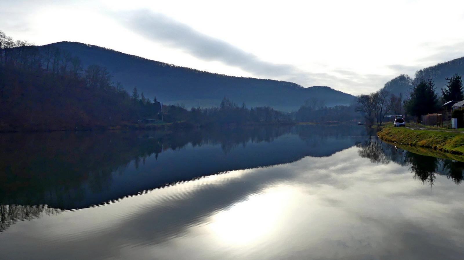 06 Verőfényes tó