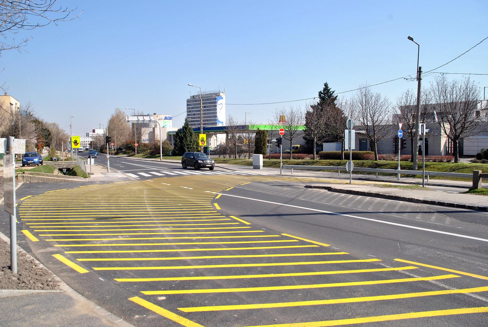 Buszútvonal a metró végállomástól