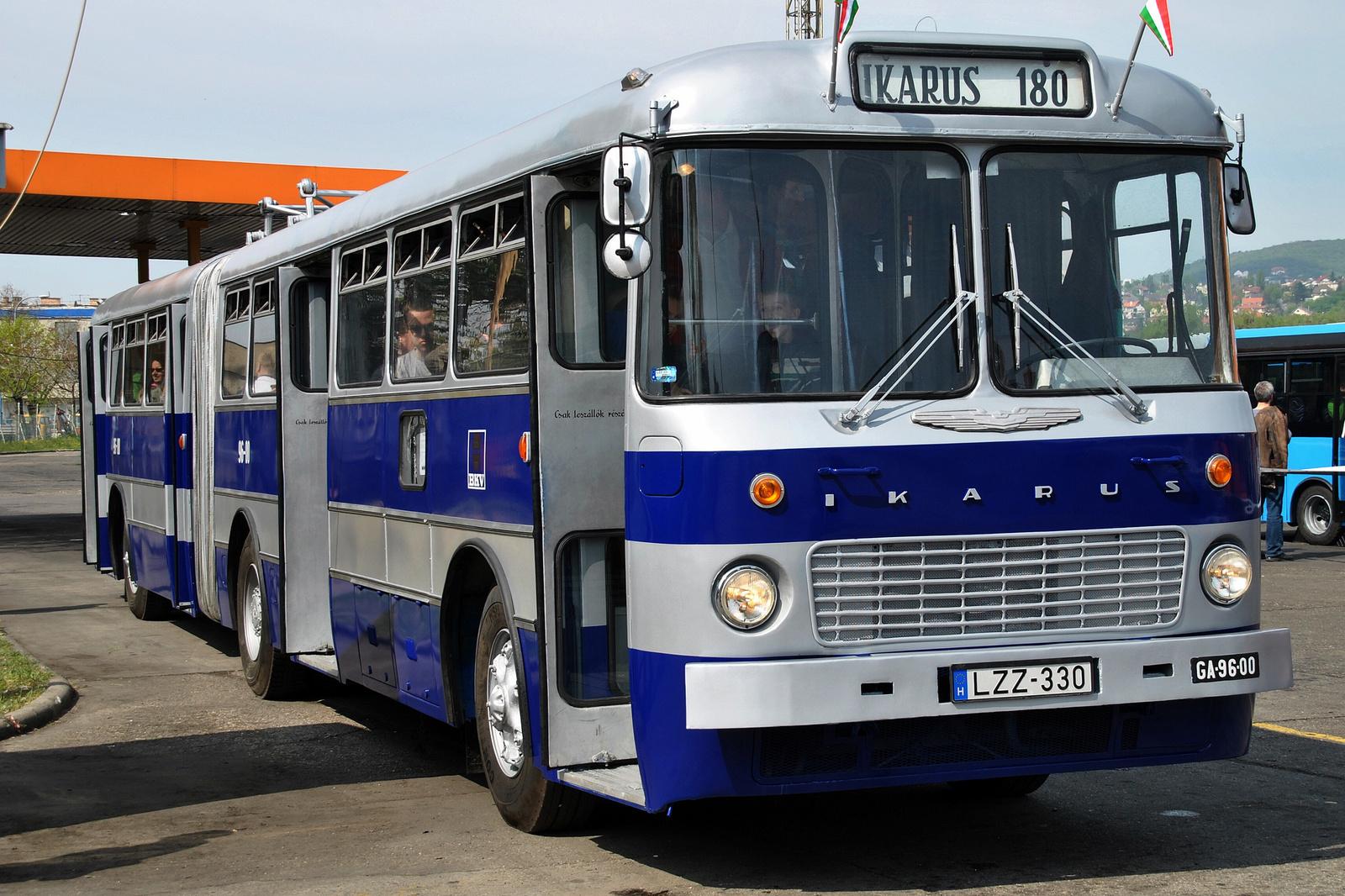 IKARUS 180