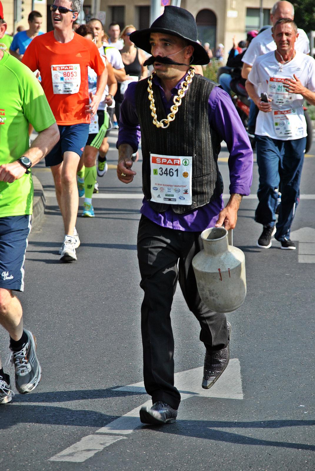 Maratonisták vízhordója