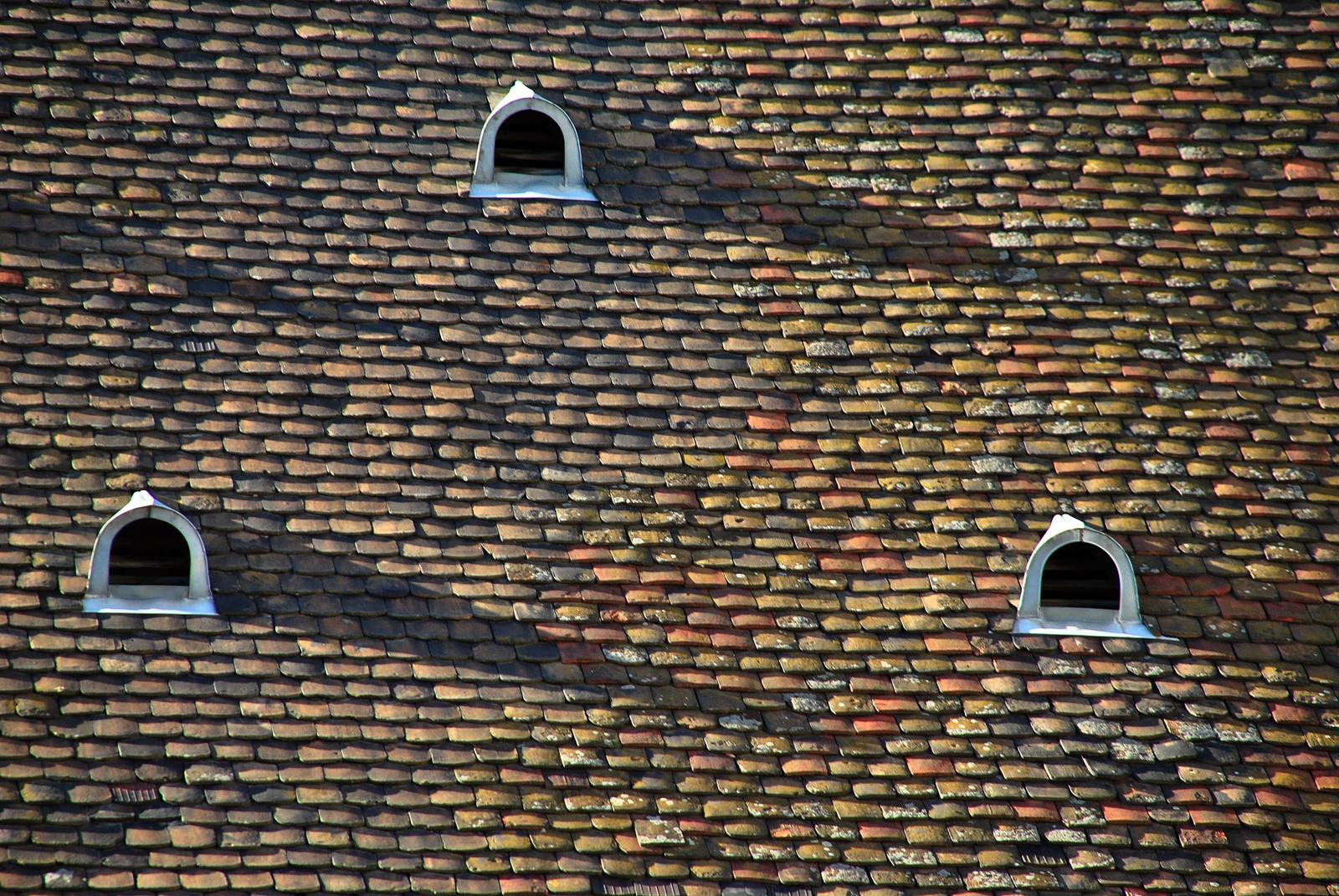 Hárman a tetőn