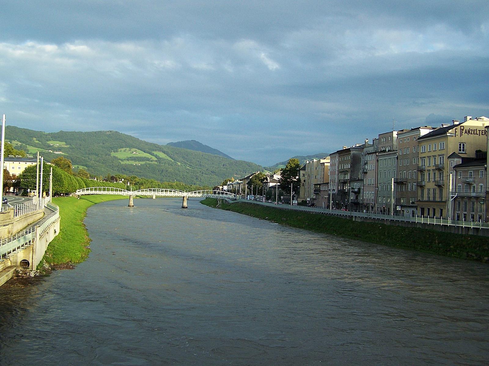 Salzach folyó 9 éve, nyáron