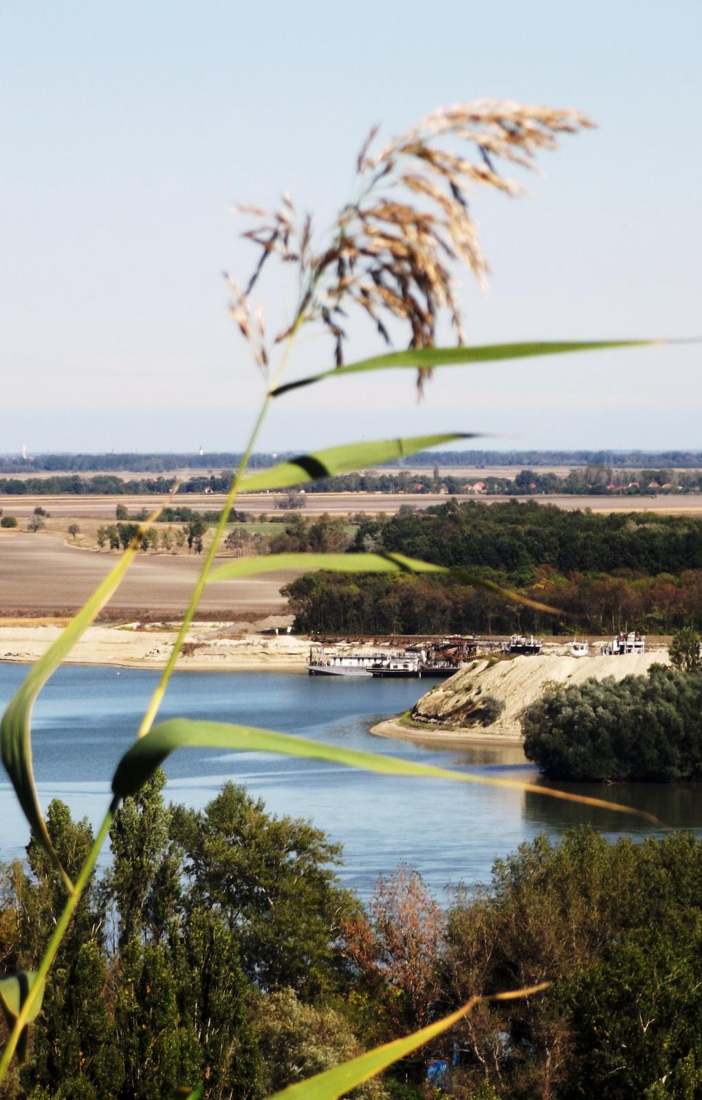 Középen a Duna