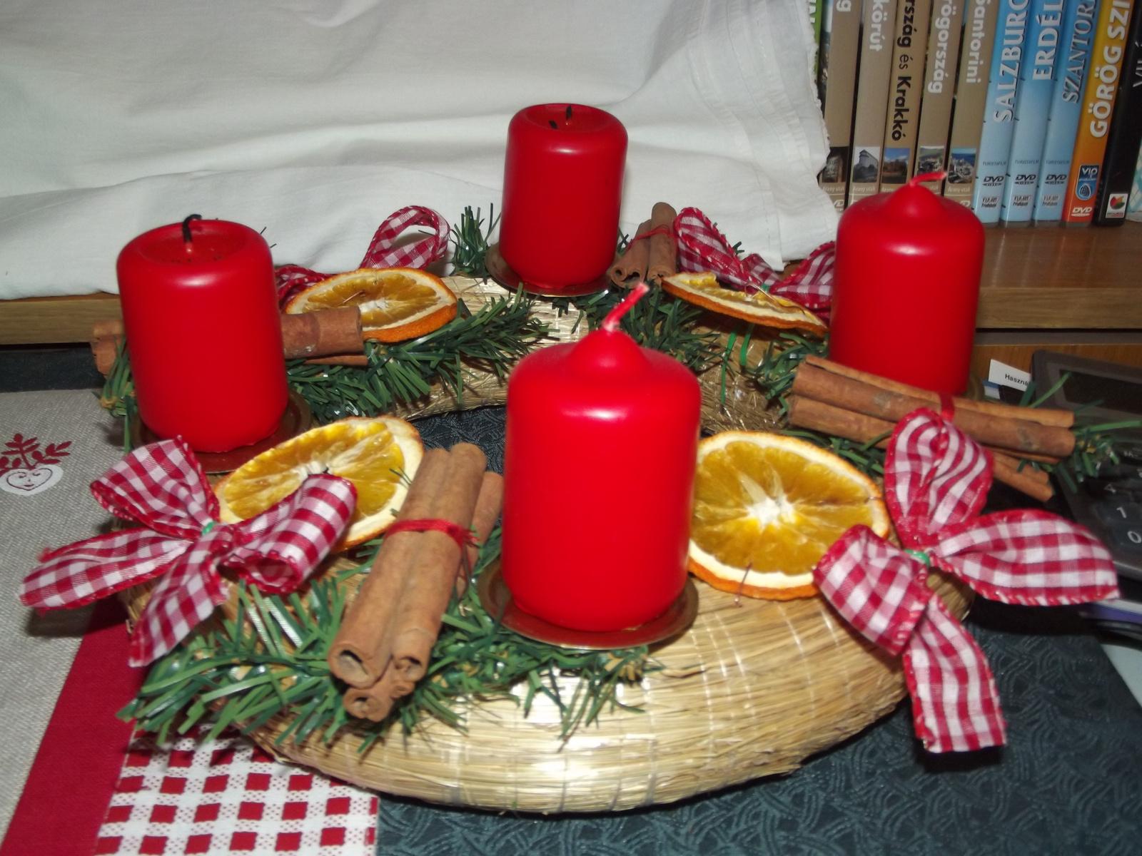2011. Karácsonyi koszorú