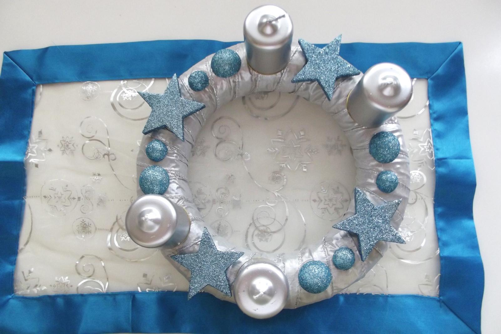 2012. Türkiz és matt ezüst