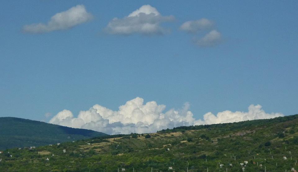 Felhők 4.