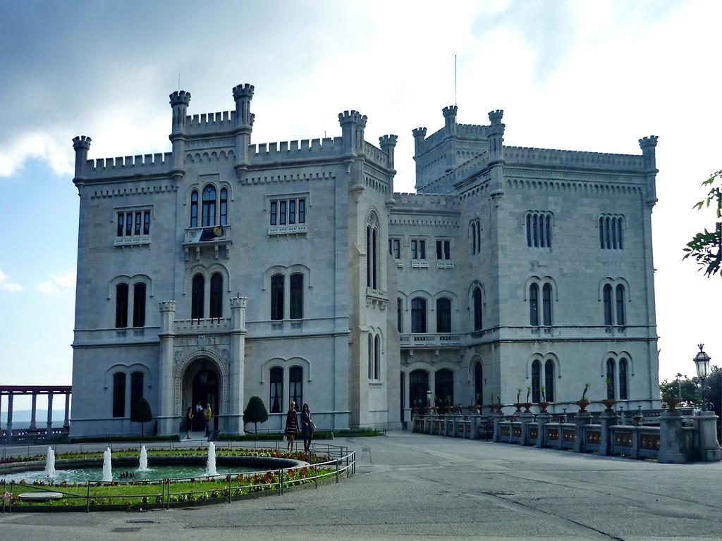 Miramare kastély