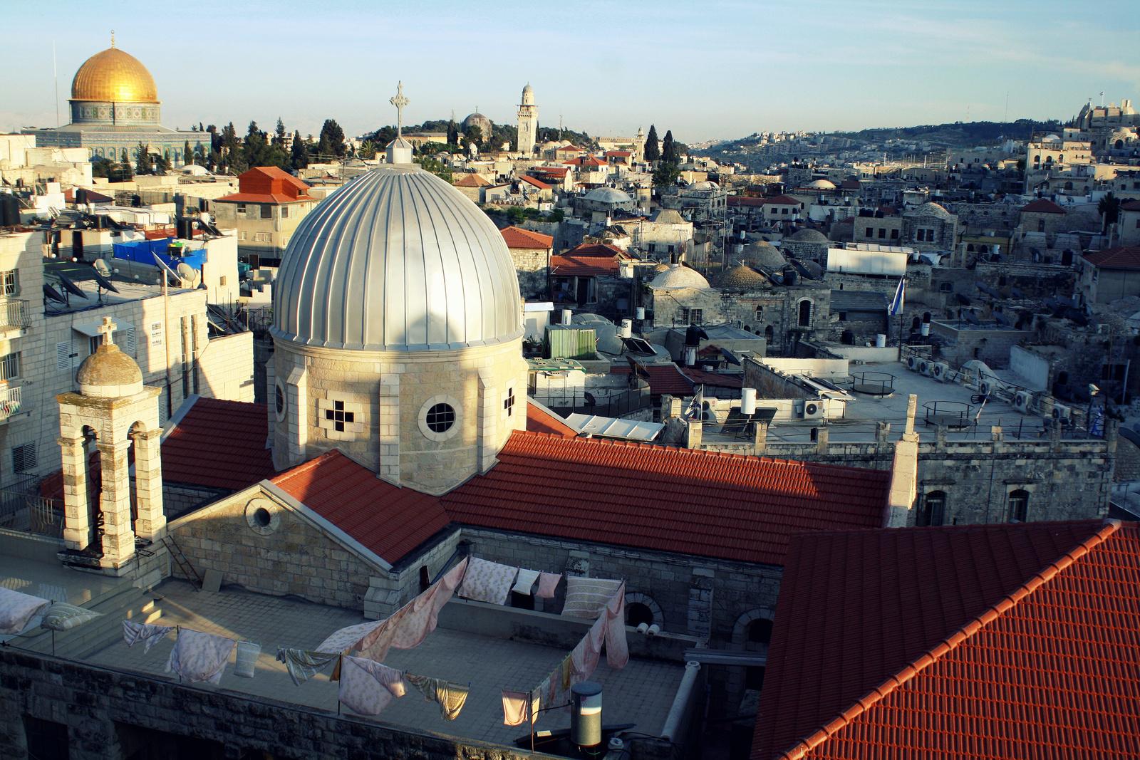 Kilátás az Osztrák Ház tetejéről